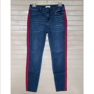 🌸 3/$25 Kensie Jeans With Red Stripes Size 2/26